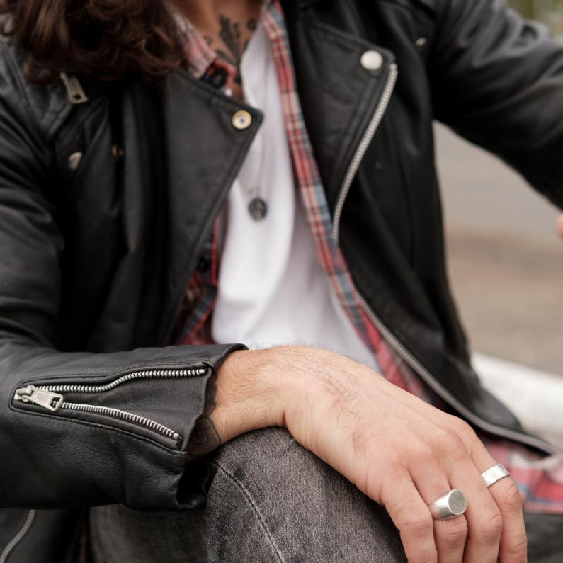 5 Ways to Wear Men's Jewellery
